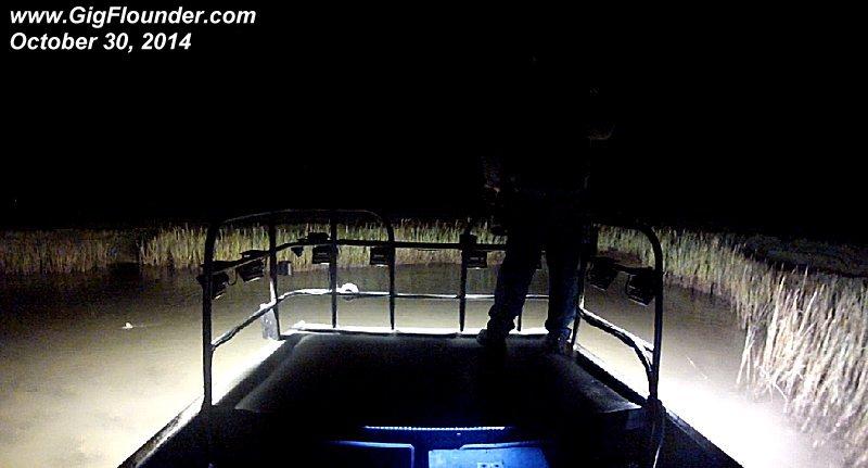 Flounder boat lights 2014 led lights for flounder gigging for Fishing boat lights